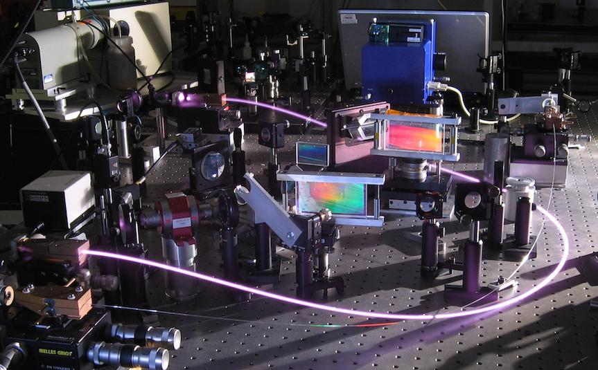 T3 Femtosecond ytterbium doped fiber chirped pulse amplifier.png - copie